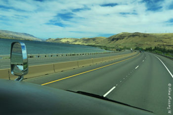 Driving along the East (dry) side of the Gorge